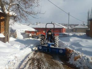 Beyşehir'de Dış Mahallelerde Karla Mücadele Kolaylaştı