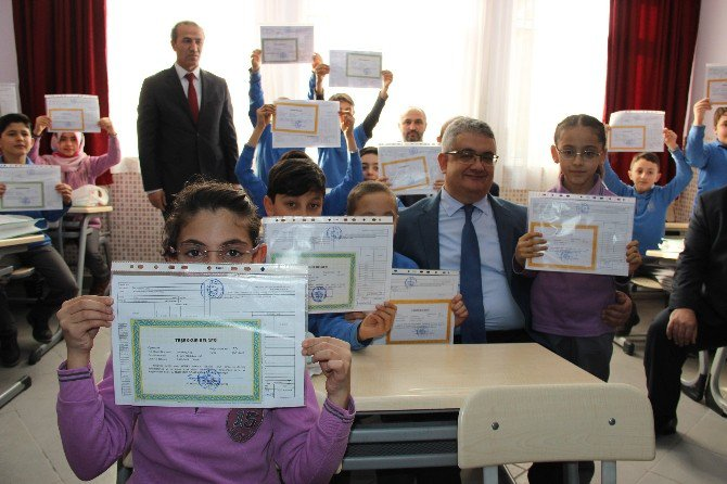 Aksaray'da 81 bin 319 öğrenci karne aldı