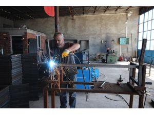 Beyşehir'de yeni dizayn kamelya üretimi