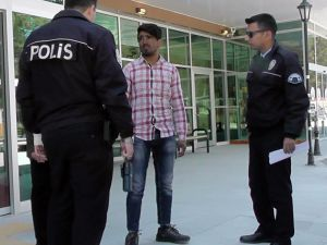 Köpeğin ısırdığı kaçak Afgan hastaneye gidince yakalandı