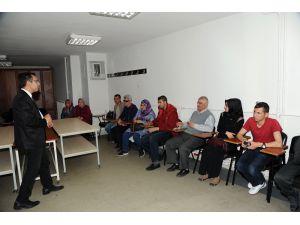 Konya'da görme engelliler için fotoğrafçılık kursu açıldı