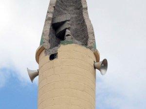Aksaray'da cami minaresine yıldırım düştü