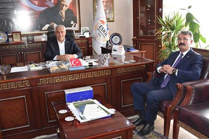 Tahsin Çelik'ten Başkan Alçay'a Ziyaret