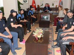 Aksaray'da özel gençler bir günlük polis oldu