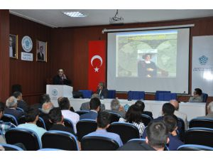 """NEÜ'de """"İslam Dünyasının Gelişmesinde İslam Dünyası Bilimler Akademisinin Rolü"""" konuşuldu"""