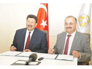 SÜ ile İTÜ-KKTC arasında iş protokolü imzalandı