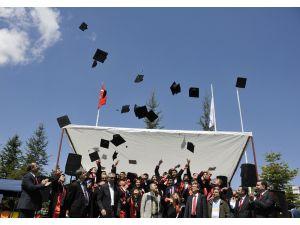SÜ Kadınhanı ve Doğanhisar MYO'da mezuniyet sevinci
