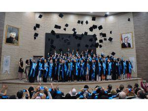 NEÜ Sağlık Bilimleri Fakültesi ilk mezunlarını törenle uğurladı
