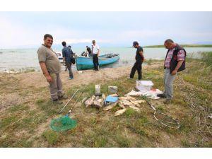 Beyşehir Gölü'nde elektroşoklu avcılar dronlu takiple suçüstü yakalandı