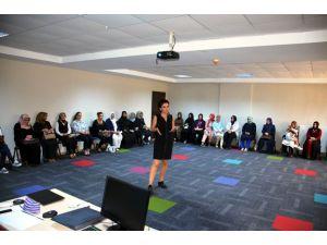 AK Parti Kadın Kollarından girişimci kadınlara eğtiim