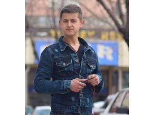 19 yaşındaki genç, kameraya kablo bağlarken düşüp öldü