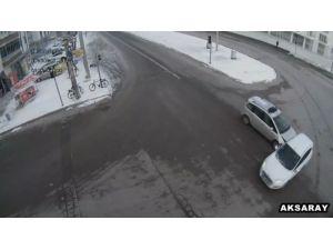 Aksaray'da kazalar MOBESE kameralarına yansıdı