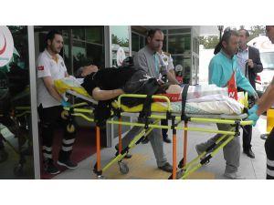 Kızını korumaya çalışan yaşlı kadını bacağından tüfekle vurdular