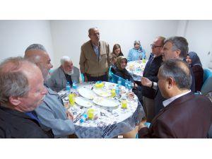Başkan Akyürek, Yazarlar Birliği üyeleri ile iftarda buluştu