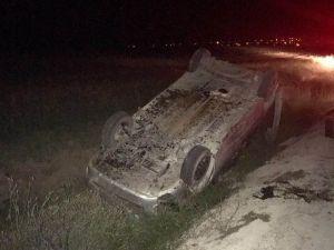 Hafif ticari araç takla attı: 3 yaralı