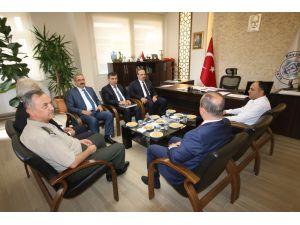 Vali Canpolat, Beyşehir Belediyesi'ni ziyaret etti