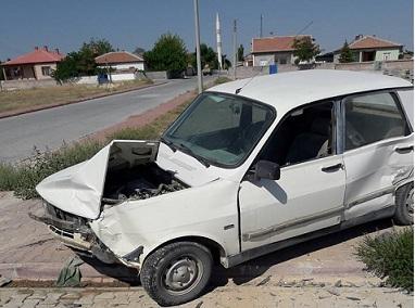 Eskil'de trafik kazası 1 yaralı