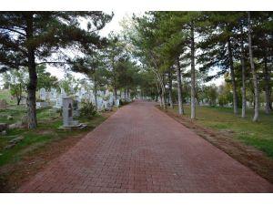 Konya'da bütün mezarlıklara Büyükşehir eli değdi