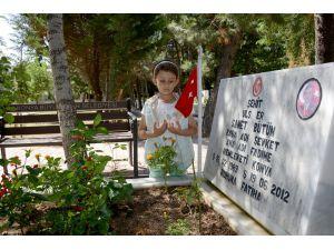 Konya'da mezarlıklarda ve şehitliklerde ziyaretçi yoğunluğu