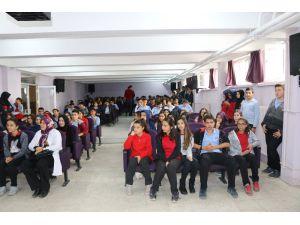 Aksaray'da lise öğrencilerine afet eğitimi