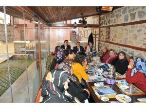 """Akşehir'de """"Hanım Kardeşlerimiz ile Akşehirimizi Konuşuyoruz"""" toplantıları"""