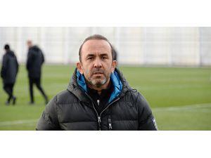 """Mehmet Özdilek: """"Tek düşüncemiz E.Y. Malatyaspor maçını kazanmak"""""""