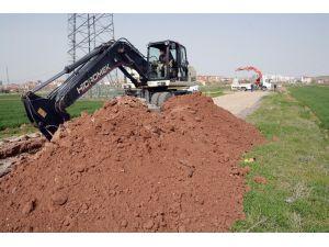 Aksaray'da kanalizasyon ve yol açma çalışması