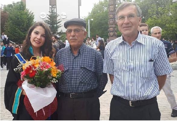 Çakın ailesinin mezuniyet mutluluğu