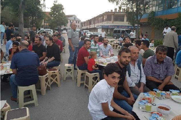 Kesmez ailesi iftar programında buluşturdu