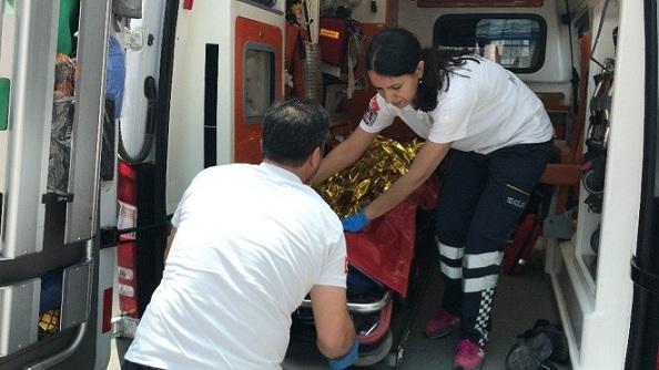 Vagondaki biçerdöverin tepesine çıkan genç, akıma kapılıp ağır yaralandı