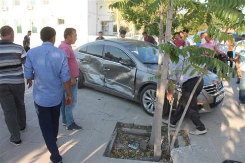 Eskil'de trafik kazası: 2 yaralı
