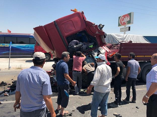 Bozcamahmut'ta trafik kazası: 1 ağır yaralı