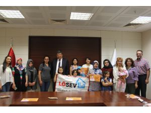 Lösemili Çocuklar KTO Karatay Üniversitesinde Resim Yaptı