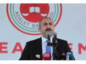 """Adalet Bakanı Gül: """"Darbecilere selam duran bir yargı ve demokrasi, bir adalet anlayışı geride kaldı"""""""