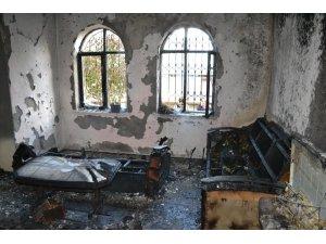 Sobayı Yakmak İsterken Evini Yaktı