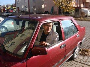 'Kara Şimşek'e özendi, 1993 model otomobilini konuşturdu