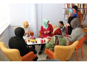 """Beyşehirli kadınların yeni adresi """"anne ve çocuk"""" kulübü"""