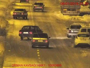 Trafikte makas atan 3 sürücüye 7 bin lire ceza