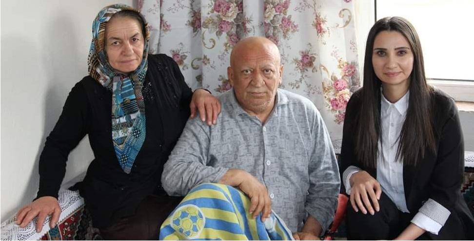 Mehmet Han sevenlerinden dua bekliyor