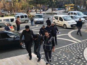 Otomobil hırsızlığı şebekesi Konya'da yakalandı