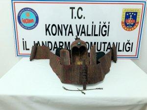 Konya'da 'Bereket Tanrısı' figürlü koruyucu muhafaza kabı ele geçirildi
