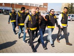 Aksaray'da İki Gurbetçiyi Fetö/pdy Bahanesiyle Dolandıran 3 Kardeş Tutuklandı
