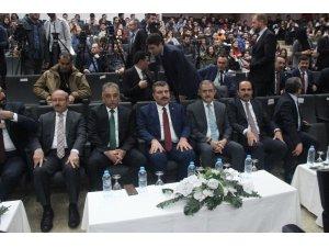 Bakan Koca, Konya'da tıp öğrencileriyle bir araya geldi