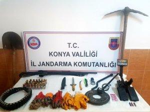Zengibar Kalesinde kaçak kazı yaparken yakalandılar