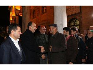 Başkan Altay, vatandaşların kandil bereketine ortak oldu