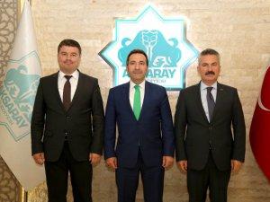 Vali Ali Mantı ve Emniyet Müdürü Karabağ, Belediye Başkanı Evren Dinçer'e hayırlı olsun ziyaretinde bulundu