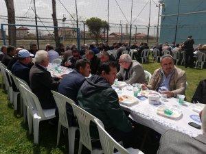 Aksaray Telekom İl Müdürlüğü emekli ettiği altı çalışanına veda yemeği düzenledi