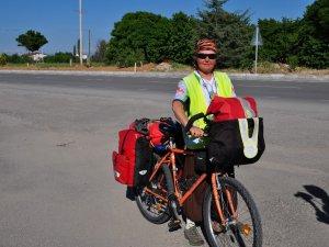 Bisikletiyle Avrupa turu yapan İsviçreli Anna, Beyşehir'de mola verdi