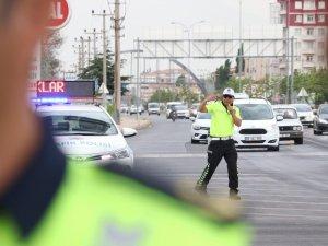 Aksaray'da 1 ayda 6 bin 553 sürücüye 2 milyon lira ceza