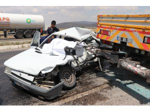 Aksaray'da Otomobil Vince Arkadan Çarptı: 1 Ölü